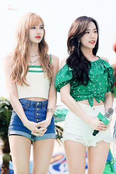 Black Pink Kpop, Blackpink Photos, Blackpink Fashion, Together Forever, Blackpink Jisoo, Blackpink Jennie, Dancer, Crop Tops, Blouse