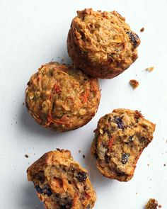 Morning Glory Muffins with Banana Muffin Recipes // Healthy Morning Muffins Recipe- Did the Math. These are about 175 calories each. pretty good for a healthy pick me up snack! Breakfast Desayunos, Quick Healthy Breakfast, Healthy Muffins, Breakfast Recipes, Breakfast Ideas, Muffin Recipes, Breakfast Potatoes, Zucchini Muffins, Banana Recipes