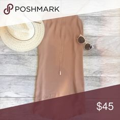 Soft toned dress This dress is an essential. Perfect for layering and just so classic. Basically can wear it anywhere!! Fits true to size Dresses