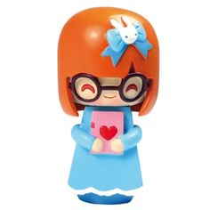 my husband brought this little doll back for me from his trip to portland.  new obsession.  this momiji stuff is so cute!!