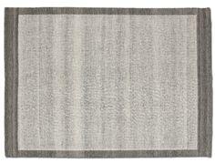 En flatvävd matta som finns i många färger och storlekar samt som gångmatta. Tillverkad i tålig och smutsavvisande ull.