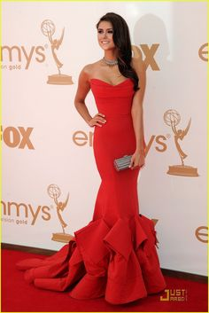 Nina Dobrev /lnemnyi/lilllyy66/ Find more inspiration here: http://weheartit.com/nemenyilili/collections/22262382-like-a-lady