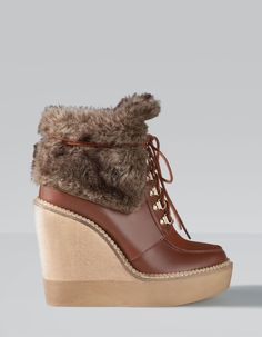 Wedge ankle boots with faux-fur