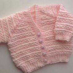 Waves of Love baby cardigan Knitting pattern by Seasonknits Cardigan Au Crochet, Cardigan Bebe, Baby Cardigan Knitting Pattern Free, Baby Knitting Patterns, Booties Crochet, Crochet Hats, Pull Bebe, Baby Scarf, Christmas Knitting Patterns