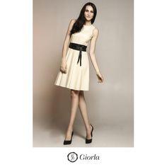 Vestido Evasê Cavado   Referência: 1028. Faixa   Referência: 1037. #couro #leather #weloveleather #giorlamodaemcouro