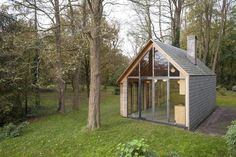 A remarkable vacation cottage sits at the edge of a clearing in a rural area outside Utrecht, the Netherlands. It was created by a partnership between Utrecht-based studio Zecc and Roel van Norel. ...