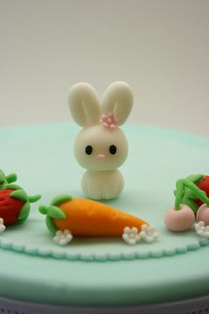 Lovely Baby Rabbit Cake Topper by BeautifulKitchen Cute Polymer Clay, Polymer Clay Animals, Cute Clay, Fimo Clay, Polymer Clay Projects, Polymer Clay Charms, Polymer Clay Creations, Clay Crafts, Fimo Kawaii