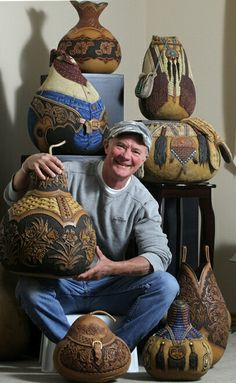 Jordan Straker doesn't believe in horsing around. For 27 years working in the medium of wood, gourds and steer skulls, this British Columbia carver has used his amazing leather-look wooden delights to win the attention of art collectors around the world. Decorative Gourds, Hand Painted Gourds, Painted Vases, Gourds Birdhouse, Art Carved, Gourd Art, Nature Crafts, Western Art, Art Auction