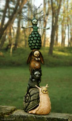 Totem by Scott Radke Le Totem, Pole Art, Pottery Sculpture, Outdoor Art, Garden Art, Garden Totems, Ceramic Art, Art Dolls, Sculpting