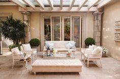 Busca imágenes de diseños de Salas estilo clásico}: Sala . Encuentra las mejores fotos para inspirarte y y crear el hogar de tus sueños.
