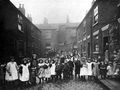 Bell Street, view looking west to the back of Star Street. A cul-de-sac of dwellings in the Leeds Unhealthy Areas programme of 1901 © Leeds Library and Information Service. Old Pictures, Old Photos, Leeds Library, Leeds England, Victorian Life, West Yorkshire, Medical History, Black N White Images, Slums