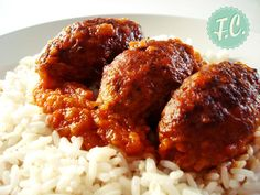 Σμυρναίικα σουτζουκάκια, ίσως η καλύτερη και πιο αγαπημένη συνταγή της Πολίτικης κουζίνας! Τι ξεχωρίζει όμως τα σμυρναίικα σουτζουκάκια από οποιαδήποτε αντίστοιχη συνταγή. Meatloaf Burgers, Meatloaf Recipes, Greek Dishes, Main Dishes, Side Dishes, Greek Cooking, Dessert, Greek Recipes, Tasty Dishes