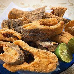 So a deliçia Beer Recipes, Fish Recipes, Seafood Recipes, Cooking Recipes, Nigerian Food, Portuguese Recipes, Health Breakfast, Fried Fish, Fish Dishes