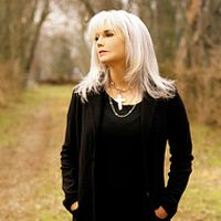 Emmylou Harris & Her Red Dirt Boys