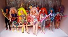 Jem and the Holograms. These dolls were a lot bigger then the Barbie dolls, so the Barbie clothes didn't fit them. 90s Childhood, My Childhood Memories, Sweet Memories, 1980s Toys, Retro Toys, Vintage Toys, Jem And The Holograms, Kitsch, Jem Et Les Hologrammes