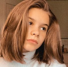 Long Hair Styles, Celebrities, Beautiful, Life, Pictures, Bed, Celebs, Long Hairstyle, Long Haircuts