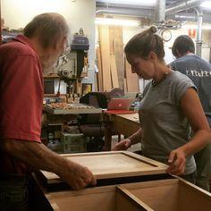 Kat is making fantastic progress on her TV cabinet! #woodwork #diy #design#create #make #furniture #cabinetmaker #richardcrosland #alexandria @schooloffinewoodwork de schooloffinewoodwork