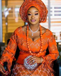 Royal blood in burnt orange! 🌺👰🌺 Beautiful Aso Oke by Make up by Photography by Event by Nigerian Wedding Dresses Traditional, Traditional Wedding Attire, African Traditional Wedding, African Attire, African Fashion Dresses, African Lace, African Dress, Nigerian Bride, Nigerian Weddings