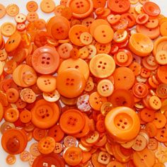 50 Orange Buttons,  Assorted sizes, Crafting, Sewing Jewelry Collect  them (1318)