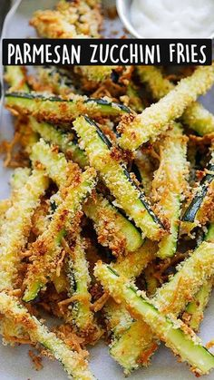 Lunch Snacks, Party Snacks, Healthy Snacks, Healthy Recipes, Parmesan Zucchini Fries, Panko Bread Crumbs, Ranch Dressing, Green Beans, Dinner Recipes