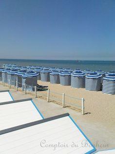 the lovely beach huts in Normandy beaches #essenzadiriviera | www.varaldocosmetica.it