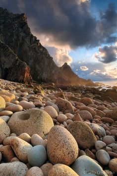 pebbles at the touch of my feet, breathtaking sight ahead of me Beautiful Landscape Photography, Beautiful Landscapes, Beautiful Images, Nature Photography, Beauty Around The World, Shell Beach, Sky Aesthetic, Natural Wonders, Nature Pictures