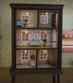Turn an old chest of drawers into a doll& house - DIY DECORATION - Kinderkram - Turn an old chest of drawers into a doll& house - Old Furniture, Repurposed Furniture, Furniture Projects, Wood Projects, Dresser Repurposed, Furniture Stores, Office Furniture, Furniture Outlet, Diy Furniture Upcycle
