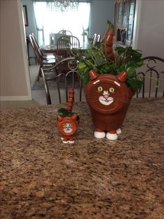 Clay pot cats