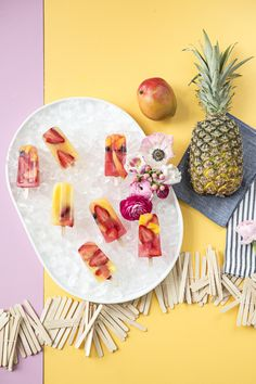 Spring It On: Getting Ready for Spring with a Colorful (DIY) Popsicle Party - Paper and Stitch Food Styling, Popsicle Party, Recipe Paper, Fruit Popsicles, Cold Desserts, Popsicle Recipes, Graduation Party Decor, Idee Diy, How Sweet Eats