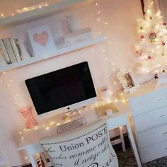 Simple Holiday Office - get inspired with new decor ideas with this beautiful girly room. Dream Rooms, Dream Bedroom, Girls Bedroom, Bedroom Decor, Bedroom Ideas, Master Bedroom, Bedroom Office, White Bedroom, My New Room