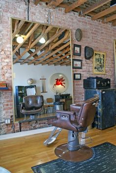 This is rustic, collected and masculine. Take away the chair, add a leather couch, perhaps a railroad furniture cart used as coffee table and a large, comfy recliner Barber Shop Interior, Barber Shop Decor, Shop Interior Design, Dresser Inspiration, Barbershop Design, Barbershop Ideas, Barber Chair, Salon Design, Hair Shop