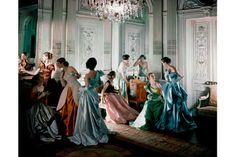Robes de bal réalisées par Charles James, 1948 http://www.vogue.fr/culture/a-voir/diaporama/l-exposition-charles-james-beyond-fashion-au-met-costume-institute-de-new-york/18602/image/997679