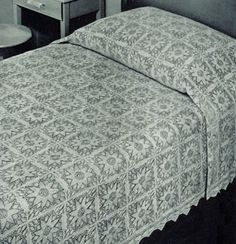 Vintage Knitting Pattern, Golden Age Bedspread, made up of squares, each square measures approx. 5½