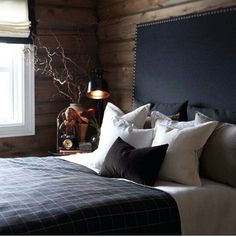 Many modern guys opt for designing a man cave with cool and stylish masculine interiors. Here some masculine headboard ideas to help design such bedroom. Chalet Interior, Interior Exterior, Interior Design, Chalet Design, House Design, Cabin Interiors, Cabin Homes, Log Homes, Home Living
