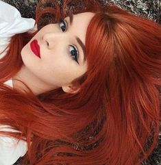 hair trends Staining recommendations for white skin! For those who want to innovate in hair color but do not find the appropriate color for a light skin color, we have prepared a file o. Red Hair Woman, Beautiful Red Hair, Beautiful Redhead, Red Hair Color, Red Orange Hair, Auburn Hair, Ginger Hair, Hair Today, Pretty Hairstyles
