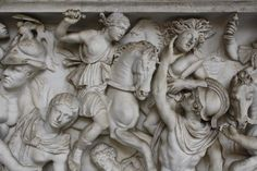 Leader of the fearsome Myrmidons, sacker of cities, and slayer of Hector, godlike Achilles was quite simply invincible in battle, and only the divine intervention. Greek Mythology Art, Classical Mythology, Ancient Art, Ancient History, History Guy, Art History, Amazons Women Warriors, Female Warriors, Goddess Of The Hearth
