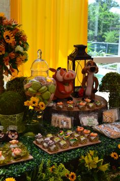 Lion King themed birthday party. Food ideas. Table setting. Baby Shower