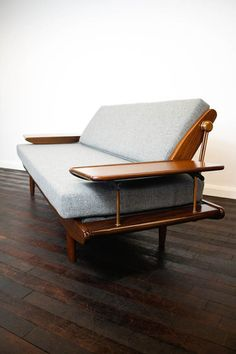 Midcentury sofabed