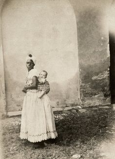 Photos Reveal Harsh Detail Of Brazil& History With Slavery . Slavery History, World History, History Books, Old Pictures, Old Photos, Vintage Photos, Ferrat, African Diaspora, African History