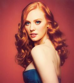 Jessica Hamby,Debrorah Ann Woll, Red heads, Vampires, True Blood.