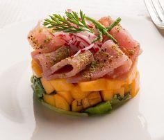 Tartare di melone con tonno e pistacchi, per un antipasto perfetto Tartare di melone con tonno e pistacchi, la freschezza al servizio della bontà! La ricetta della tartare di melone con tonno e pistac