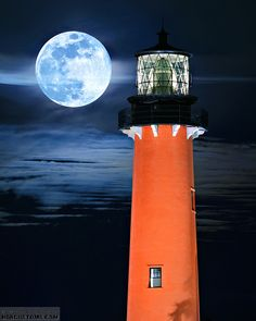 Blue Moon over Jupiter Lighthouse. ~ Jupiter, Florida we've been in this light house. Beautiful Moon, Beautiful Places, Jupiter Lighthouse, Saint Mathieu, Lighthouse Pictures, Jupiter Florida, Shoot The Moon, Beacon Of Light, Am Meer