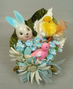 This is quite gaudy, but using its tackiness as inspiration! Easter Crafts For Kids, Easter Decor, Easter Ideas, Easter Centerpiece, Easter Stuff, Bunny Crafts, Easter Table, Vintage Easter, Vintage Holiday