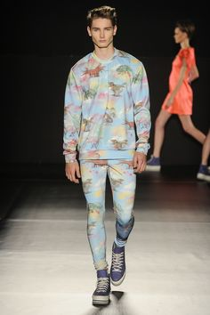Dinosaur Rawr! outfit seen in the Sao Paulo Fashion Week