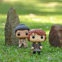 Ahhh I want these dolls! - Jamie & Claire of Outlander