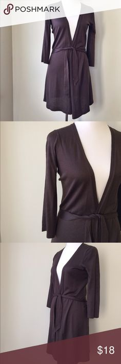 Ann Taylor Silk and cashmere cardigan Ann Taylor brown Cardigan about 32 inches long. It is 85 % Silk and 15 % Cashmere. I am a top-rated seller and fast shipper 🎉🎉 Ann Taylor Sweaters Cardigans