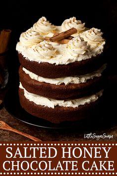 Cinnamon Chocolate Cake with Salted Honey Buttercream Littlesugarsnaps Cinnamon Chocolate Cake with Salted Honey Buttercream Littlesugarsnaps Kiley soundandvision Les recipes Cinnamon Chocolate Cake with Salted Honey Buttercream nbsp hellip cinnamon cake Best Dessert Recipes, Cupcake Recipes, Easy Desserts, Sweet Recipes, Delicious Desserts, Cupcake Cakes, Cupcakes, Tart Recipes, Baking Recipes