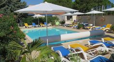 Hotel Des 4 Vents Aigues-Mortes Hotel Des 4 vents is located in Aigues-Mortes, on the Mediterranean coast between Nimes and Montpellier. It offers air-conditioned accommodation with free Wi-Fi and an outdoor swimming pool.
