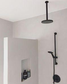 Bathroom ideas minimalist inspiration 48 ideas for 2019 Black Bathroom Taps, Modern Bathroom, Small Bathroom, Bathroom Towels, Diy Bathroom Decor, Bathroom Fixtures, Bathroom Interior Design, Bathroom Ideas, Bathroom Cabinets