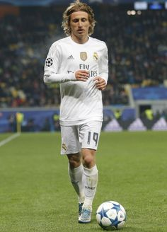 Zinedine Zidane playing for Madrid | Zidane | Pinterest | Real madrid, Zinedine zidane and Asia